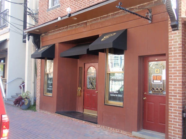 Custom fabricated awnings located in Belford, New Jersey, 07718